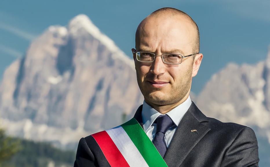 Intervista in diretta a Radio Cortina del Sindaco di Cortina d'Ampezzo Andrea Franceschi del 01 marzo 2016