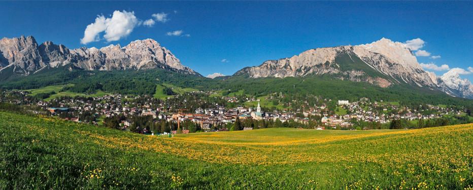Cortina d'Ampezzo: Aprile di appuntamenti esteri