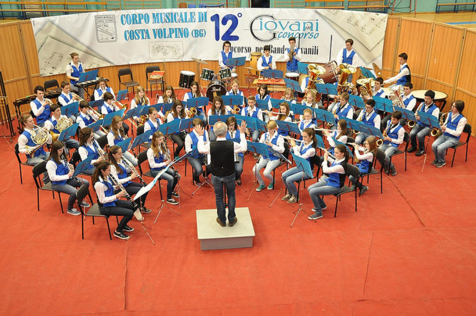 Young Band, Sindaco Franceschi e Assessore Martinolli danno il benvenuto al nuovo direttore Davide Donazzolo e ringraziano il Maestro Rossi