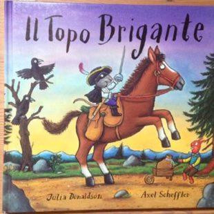 """Ascolta """"10 pagine"""", in diretta ogni mercoledi' alle 16h30. Un'idea di Martino Apollonio, Associazione culturale """"Repeat"""""""