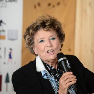 Inaugurata con successo la nuova edizione di Una Montagna di Libri con l'eccezionale presenza di Dacia Maraini.Ascolta l'intervista in diretta a Radio Cortina