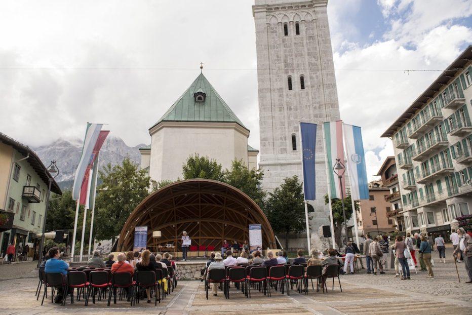 Una Montagna di libri: Mercoledi 10 agosto Maratona di lettura presso Piazza Angelo di Bona