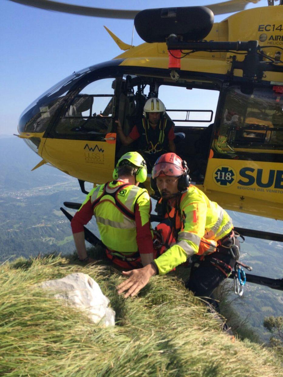 Recuperati alpinisti illesi sulle Tre Cime di Lavaredo, 2 infortuni da scarica di sassi e morto per un malore a Ospitale di Cadore