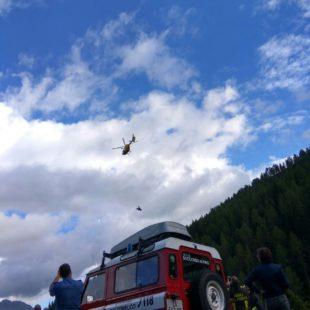 Interventi del 30 agosto del Soccorso Alpino, malore nel bosco e auto rovesciata in Comelico.