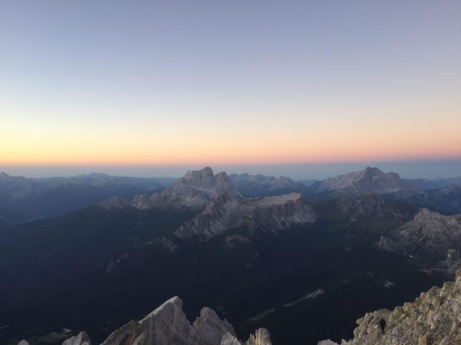 Via Ferrata Maria a Andrea Ferrari all'alba di Ferragosto:un modo indimenticabile per vivere le Dolomiti Unesco.