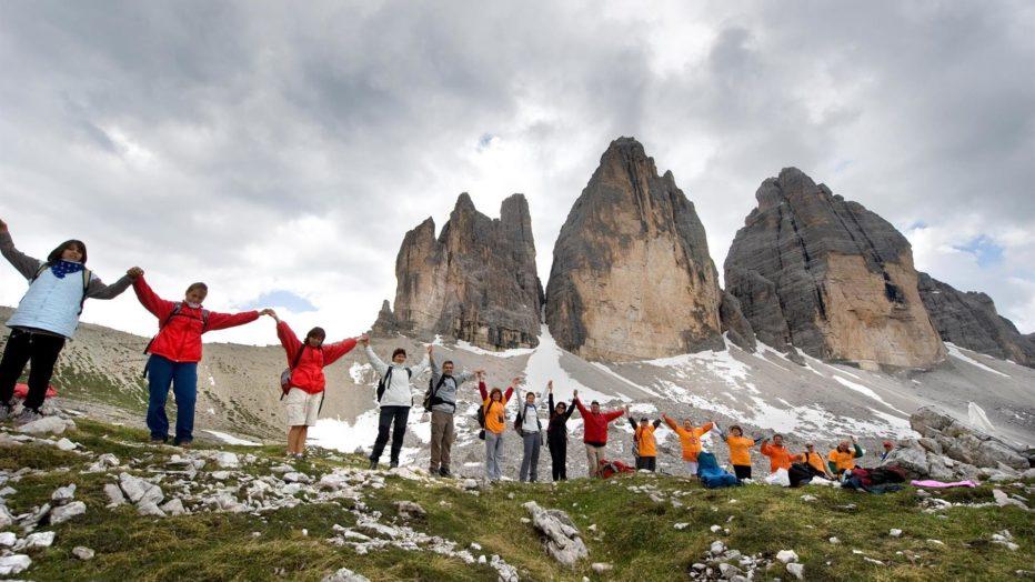 Insieme si può,Amnesty International Italia,Art for Amnesty: a un anno dalla catena umana alle Tre Cime,un nuovo video,nuovi progetti e appelli per proteggere i diritti umani.