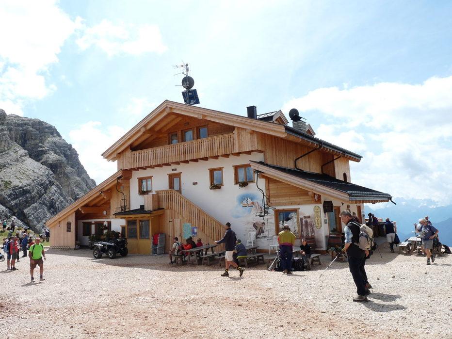 Trauma alla spalla al Rifugio Averau a Cortina