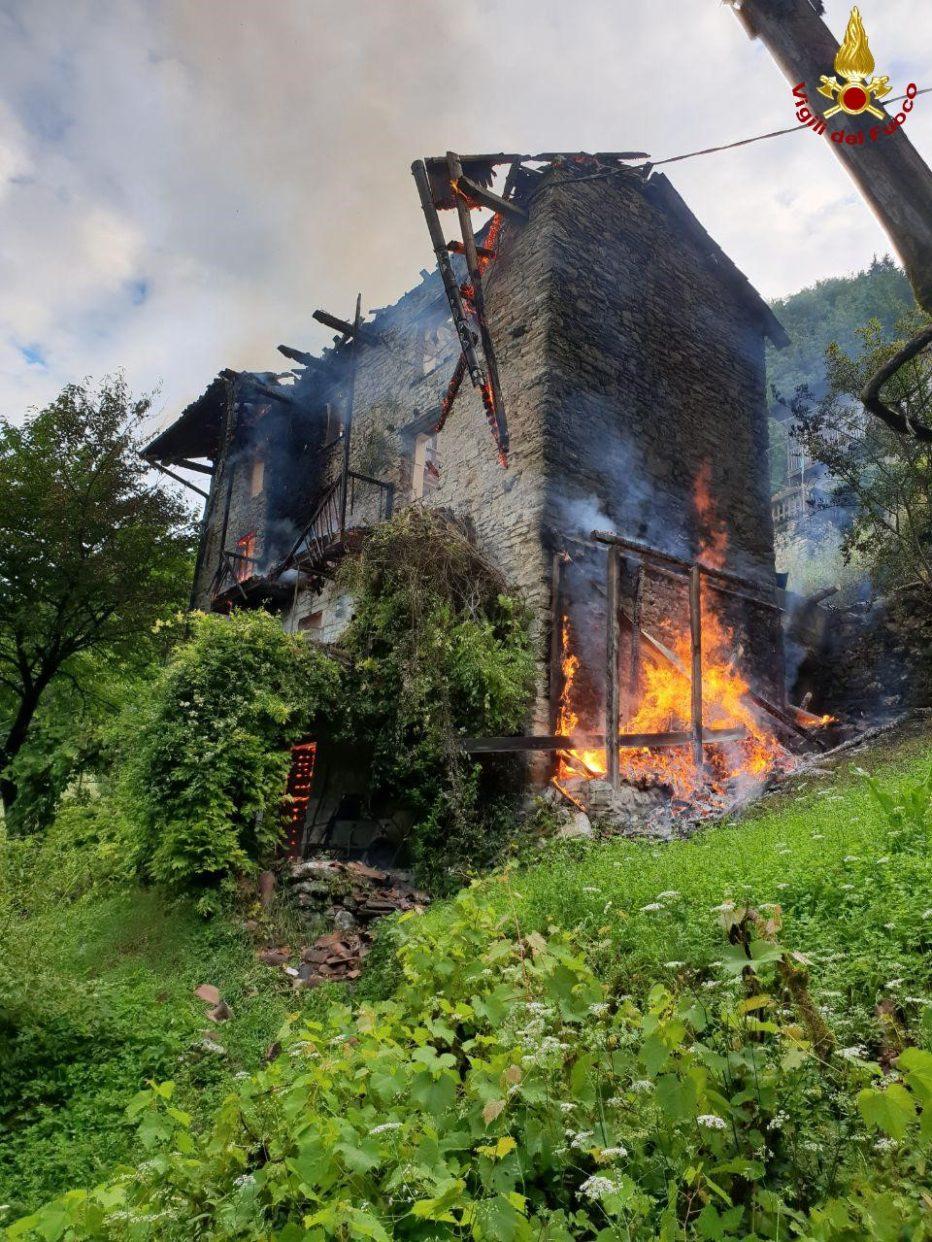 Incendio abitazione Loc. Corlo