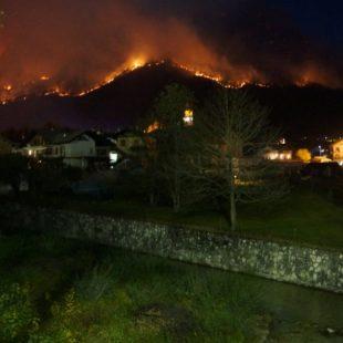 Escursionisti bloccati da incendio in Agordino partita la squadra del Soccorso Alpino e Vigili del Fuoco