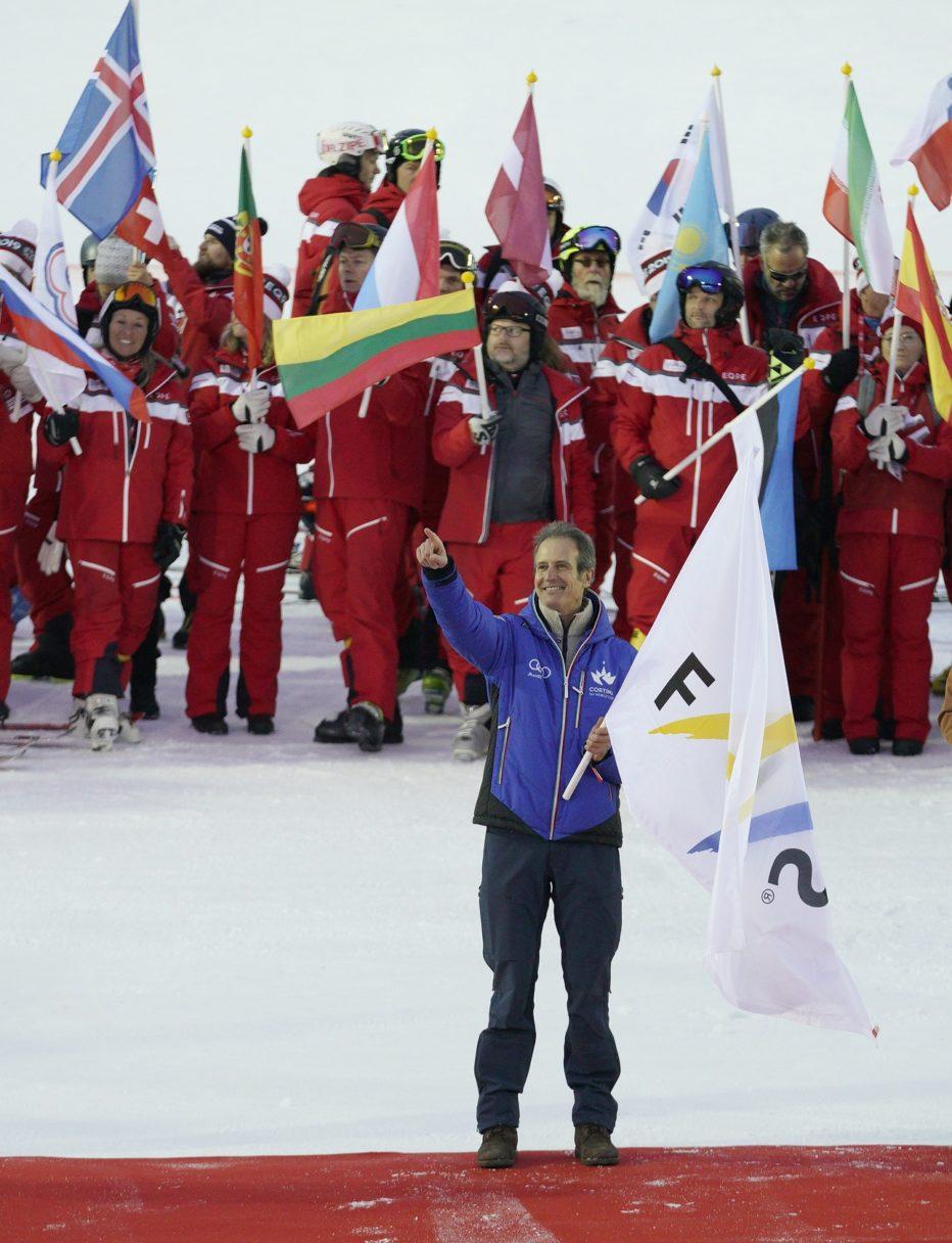 Cortina 2021: ad Åre il passaggio della bandiera della FIS dalla Svezia all'Italia.