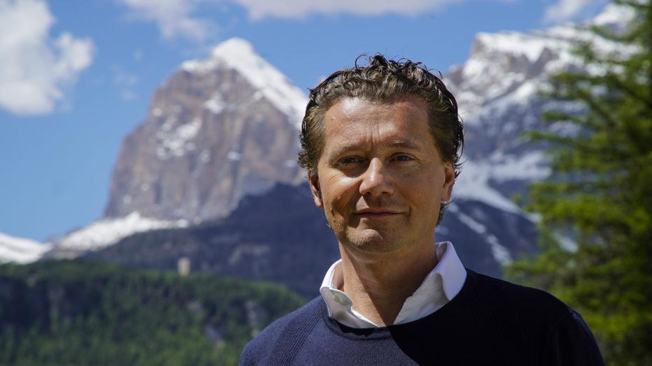 Il sindaco Gianpietro Ghedina difende gli operai comunali.