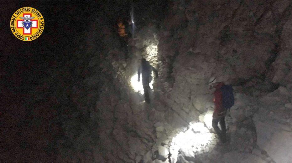 Soccorso Alpino e Speleologico Veneto: INTERVENTO NELLA NOTTE A CORTINA