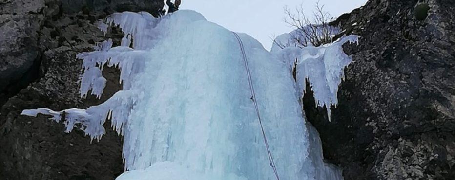 ICECLIMBER MUORE IN VAL VISDENDE DOPO UN VOLO DI 100 METRI