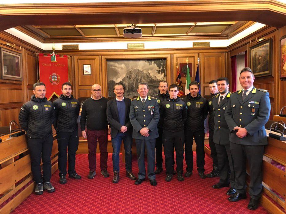 Il benvenuto del Comune di Cortina ai cinque nuovi operatori del Soccorso Alpino della Guardia di Finanza
