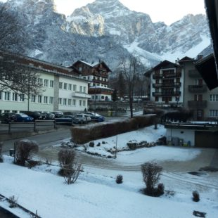 Chiusi per neve passo Valparola, Falzarego e altri.