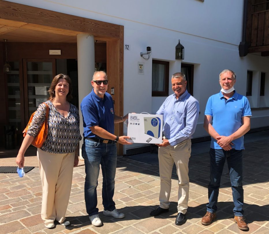 L'Associazione Maestri di Sci del Veneto dona apparecchiatura per la sanificazione degli ambienti all'Assp Cortina