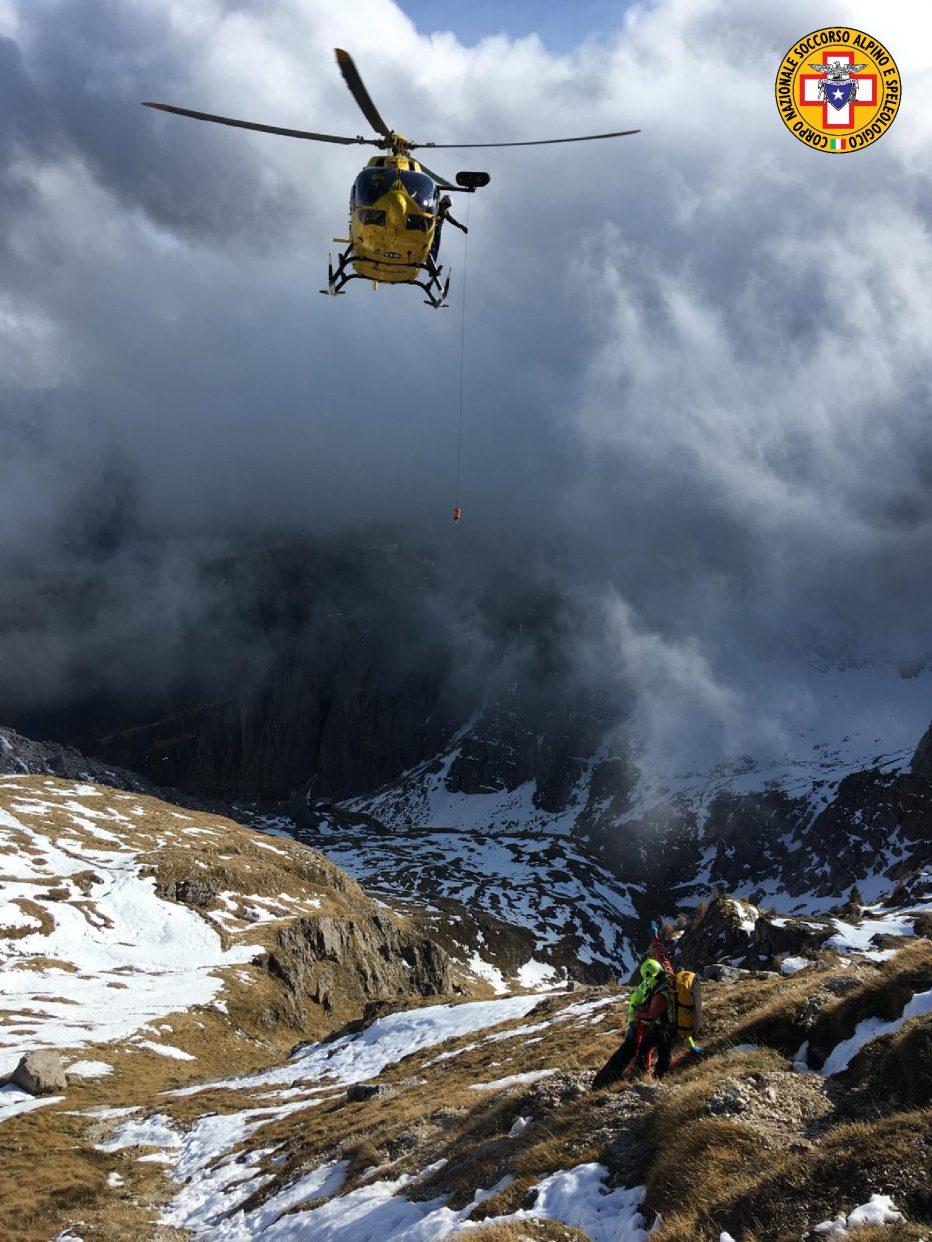 Soccorso alpino oggi a Igne, Monte Coldai e alla grotta azzurra di Mel