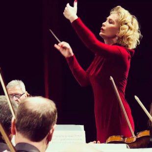 CAPODANNO CON IL TEATRO STABILE DEL VENETO:ascolta l'intervista con la direttrice d'orchestra Silvia Casarin Rizzolo