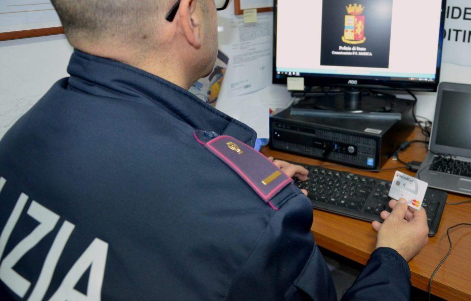 La Guida sicura per gli acquisti online della Polizia di Stato.