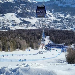 "CORTINA 2021: UNA CERIMONIA ""FROM SKI TO THE SKY"" PER SALUTARE I MONDIALI"