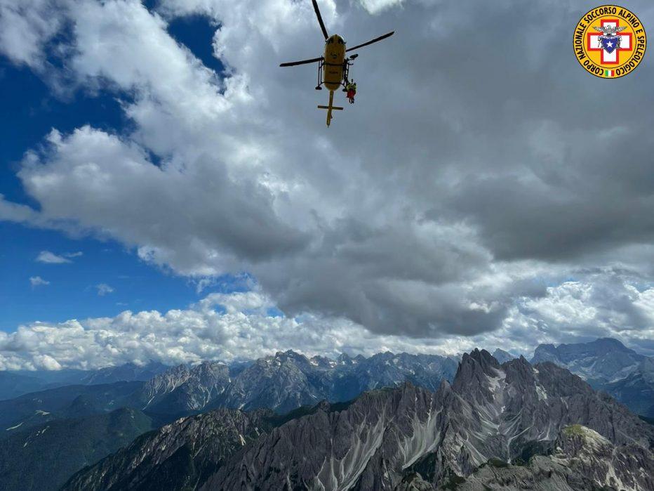 Due interventi a Cortina: Rifugio Son Forca e Punta Nera, altro intervento a Sovramonte